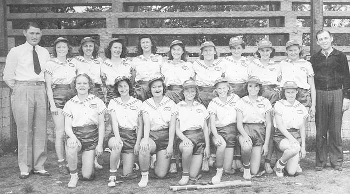 1940s Girls Softball Team