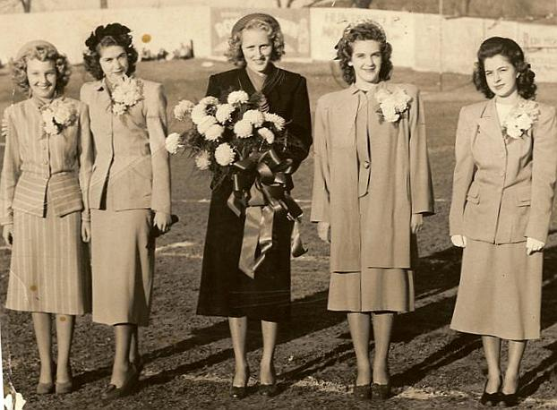 1947 - 1948 Queen and Court