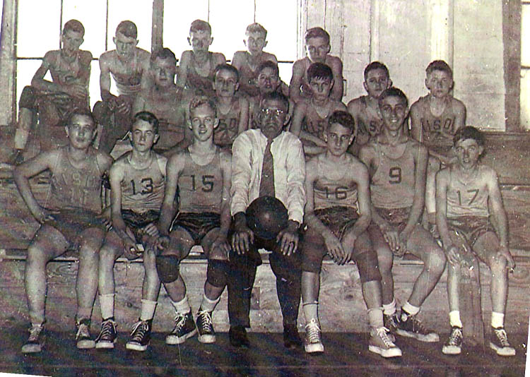 Hub Myhand with Lincoln basketball 1952_53.jpg